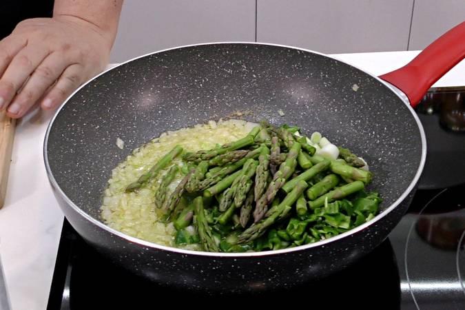Paso 3 de Albóndigas con salsa de verduras