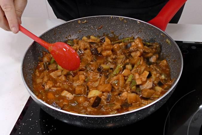 Paso 4 de Albóndigas con salsa de verduras