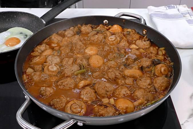 Paso 7 de Albóndigas con salsa de verduras