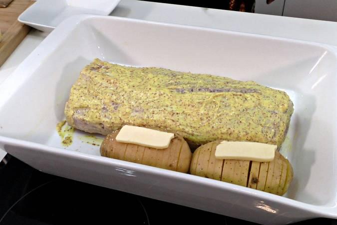 Paso 4 de Lomo de cerdo al horno con patatas hasselback