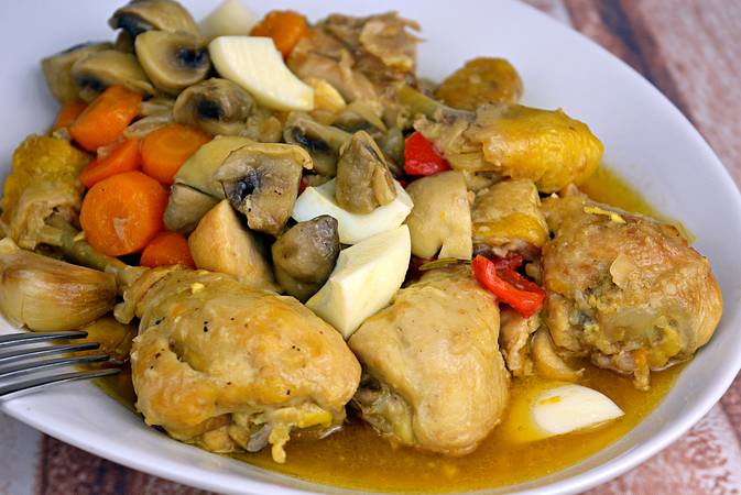Paso 7 de Como hacer pollo en pepitoria, receta tradicional