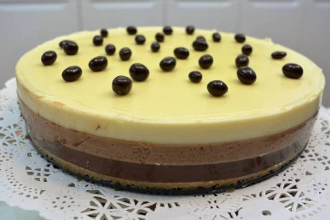 Ya hemos terminado la tarta tres chocolates