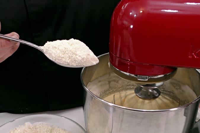 Añadimos ingredientes a la masa