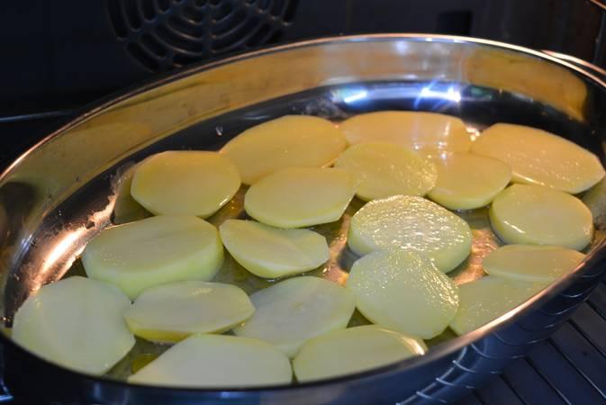 Paso 1 de Lubina a la espalda, receta casera