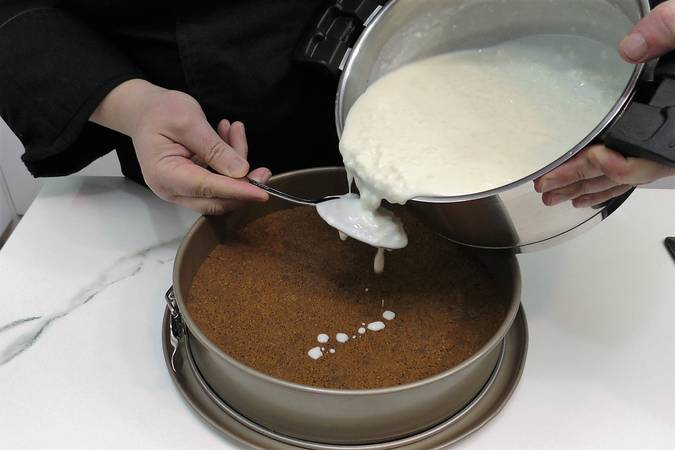 Paso 4 de Tarta de arroz con leche sin horno