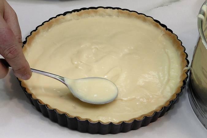 Paso 6 de Cómo hacer tarta de chocolate blanco y frambuesas