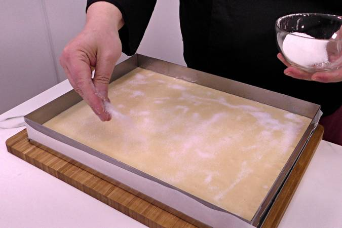 Volcar la mezcla en el molde