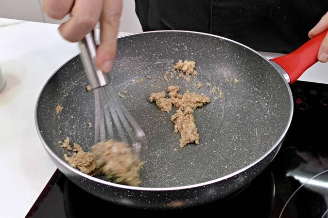 Paso 2 de Cómo hacer salsa bechamel fácil y sin grumos