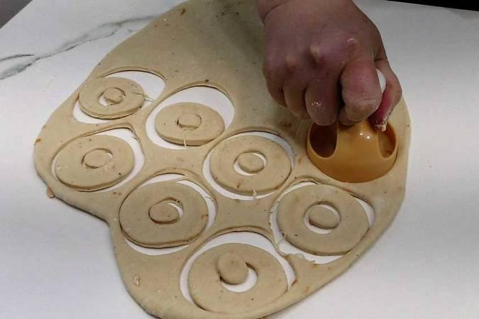 Paso 7 de Cómo hacer donuts caseros y esponjosos
