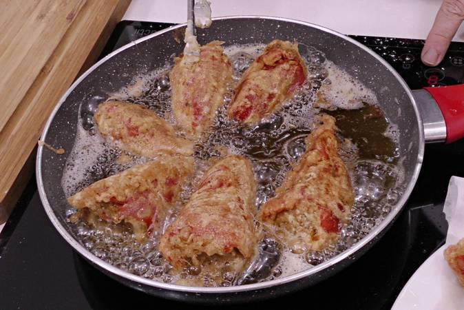 Paso 3 de Pimientos rellenos de carne con salsa de tomate