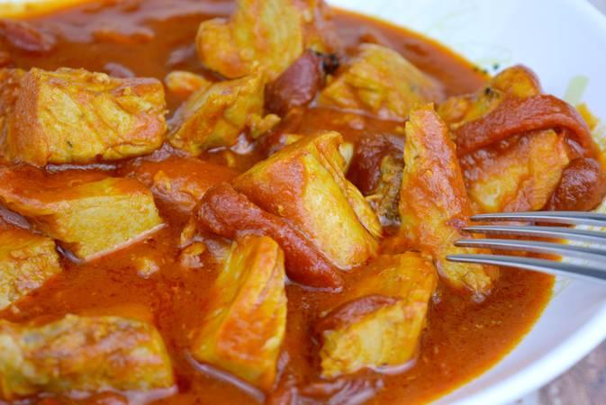 Paso 7 de Receta de atún con salsa de tomate y pimientos del piquillo