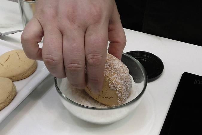 Paso 8 de Cómo hacer alfajores argentinos