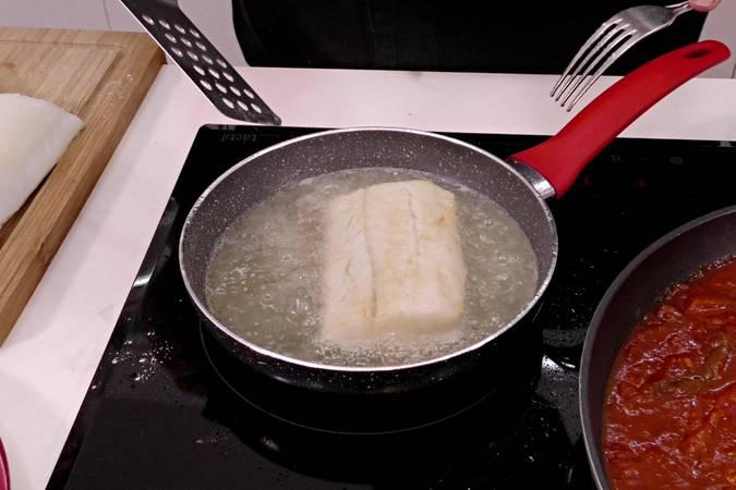 Paso 6 de Como hacer bacalao a la riojana con pimientos asados al horno