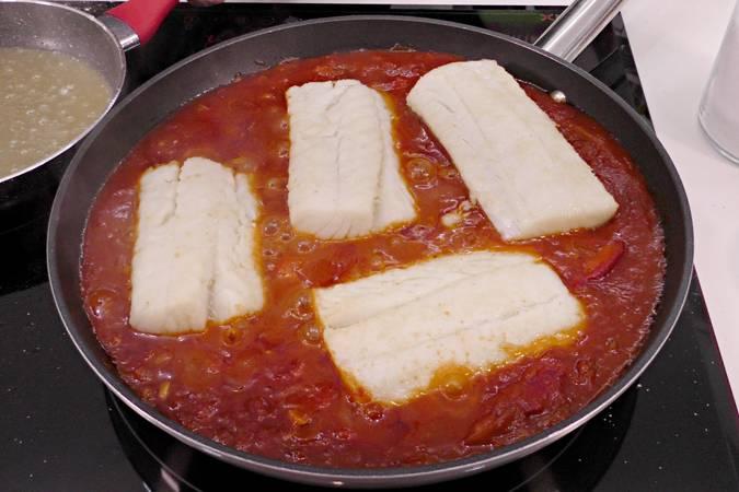 Paso 7 de Como hacer bacalao a la riojana con pimientos asados al horno