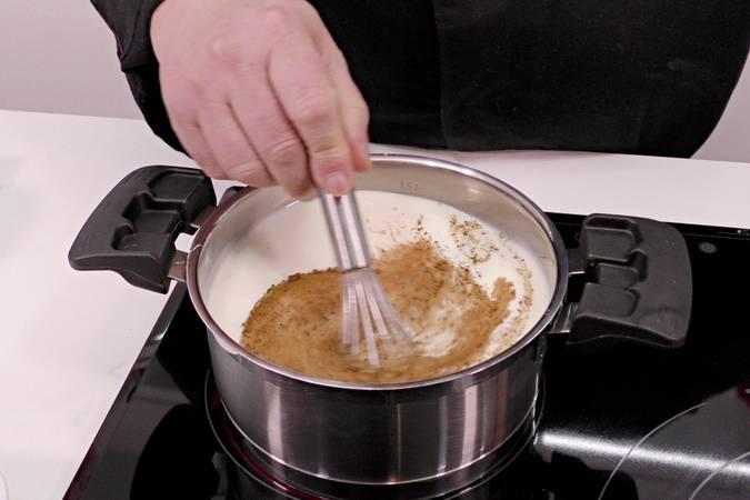 Paso 3 de Torrijas con helado y sopa de leche condensada
