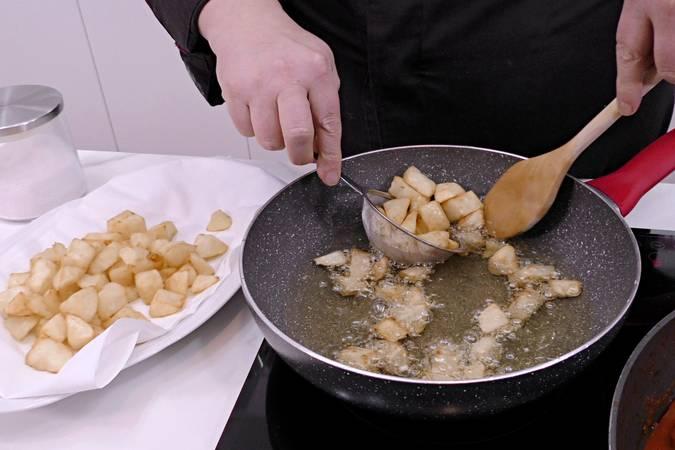 Paso 7 de Albóndigas con patatas