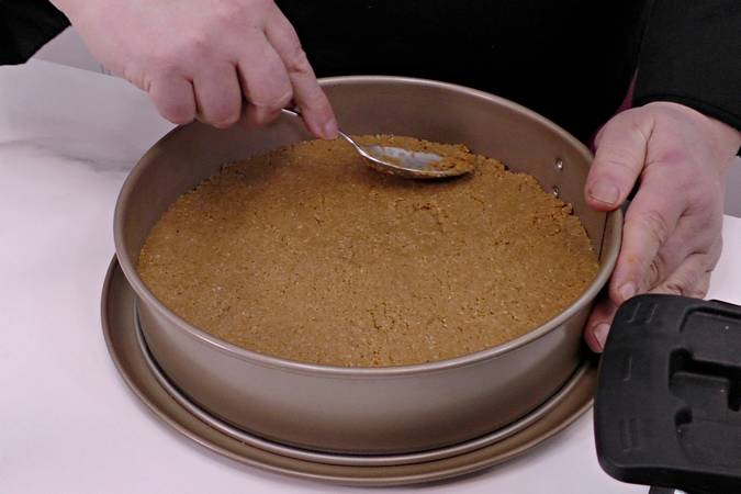 Paso 2 de Tarta de chocolate blanco sin horno