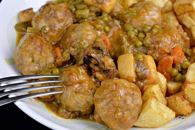 Paso 8 de Albóndigas con sepia y verduras
