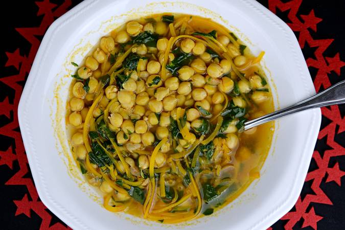 Paso 6 de Sopa de garbanzos al estilo asiático