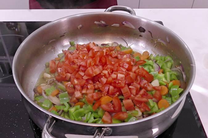 Paso 3 de Receta de pollo a la jardinera, cocina española