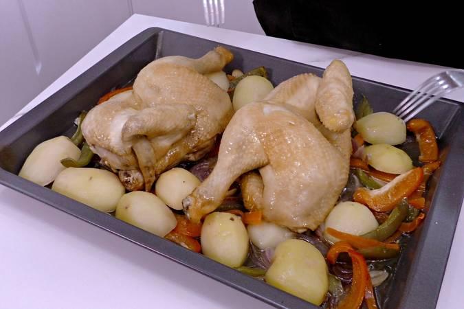 Comenzamos el asado del pollo