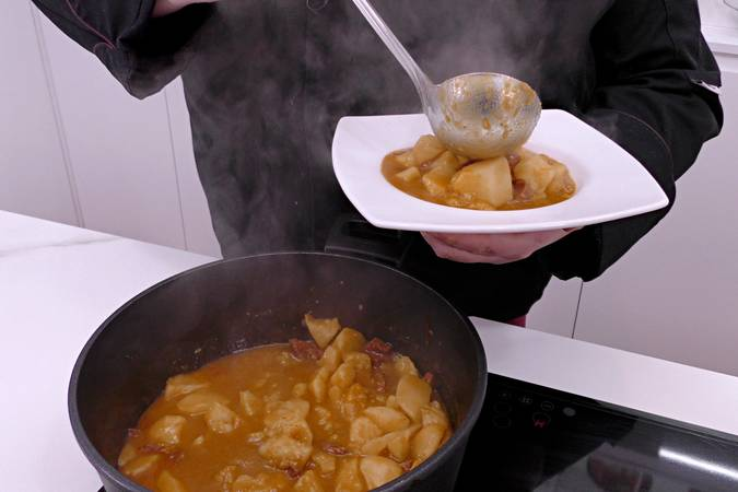 Paso 6 de Patatas a la Riojana