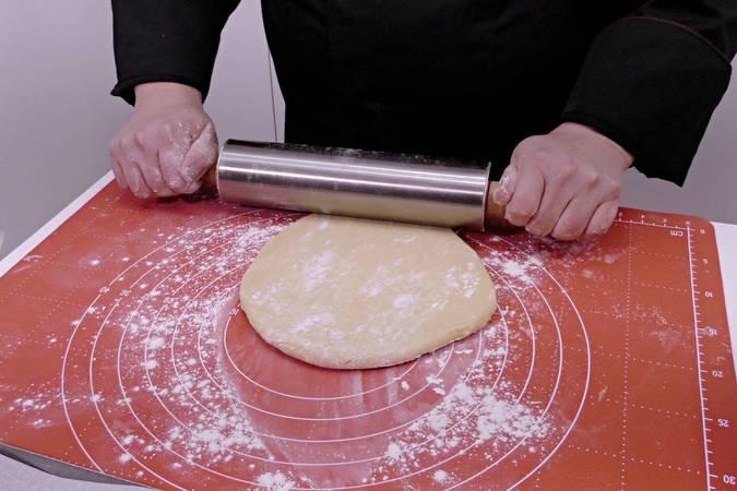 Paso 4 de Rosquillas caseras de limón al horno