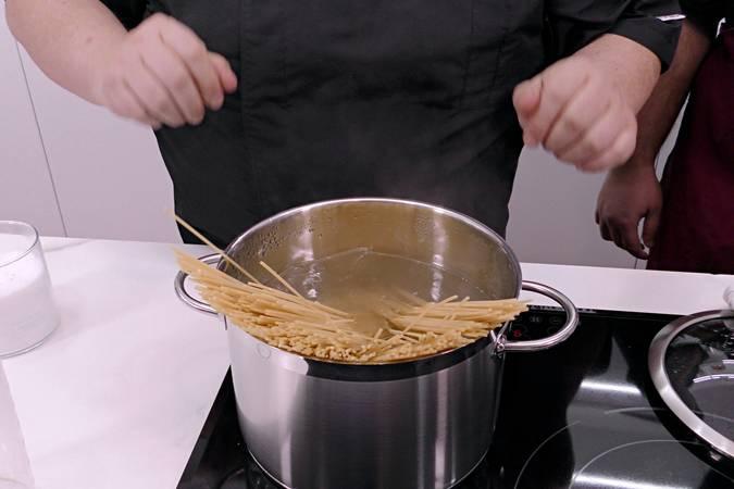 Paso 5 de Espaguetis con albóndigas en Mycook Touch
