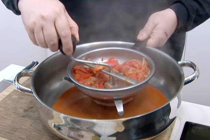 Cocinar las verduras y triturarlas
