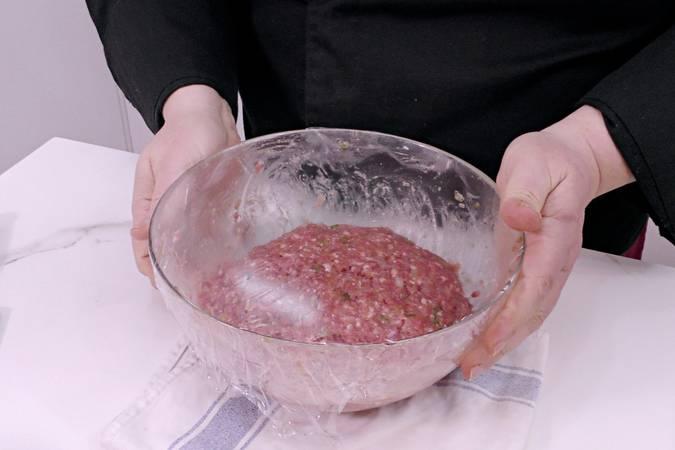 Paso 5 de Albóndigas en salsa de cebolla