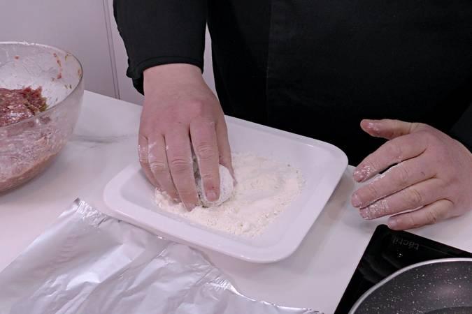 Paso 9 de Albóndigas en salsa de cebolla