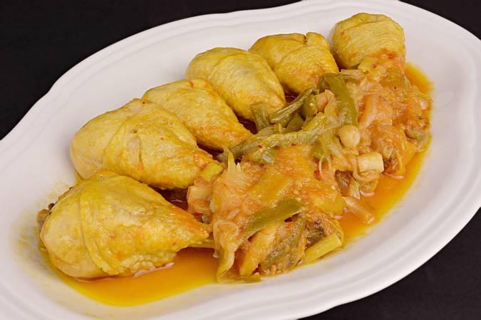 Paso 8 de Pollo entomatado receta tradicional