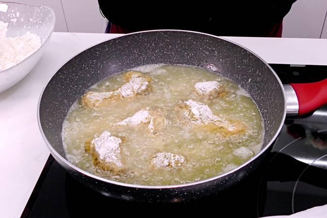 Paso 5 de Alitas de pollo marinadas y crujientes