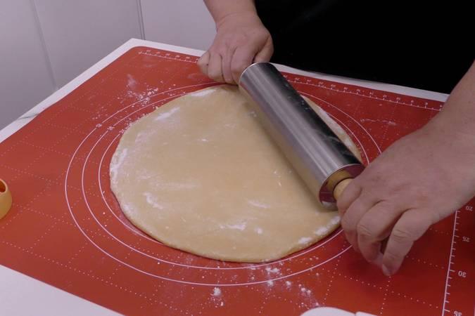 Estirar la masa de rosquillas