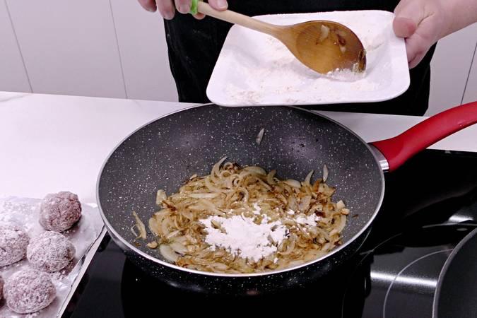 Paso 5 de Albóndigas de ternera y champiñones