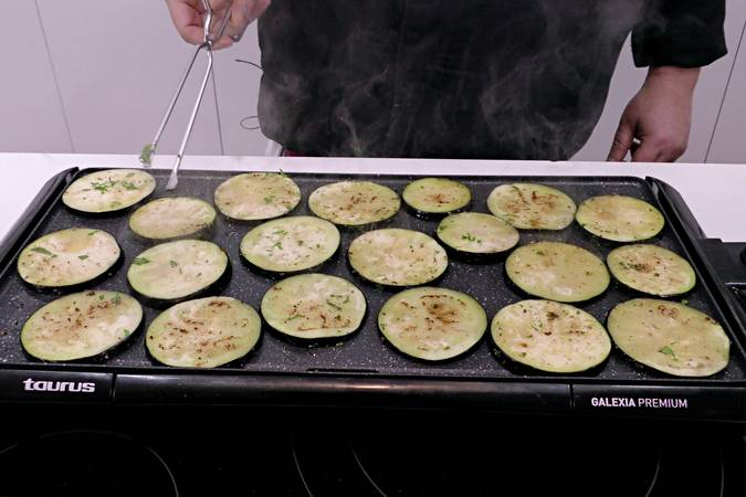 Cocinar la berenjena a la plancha