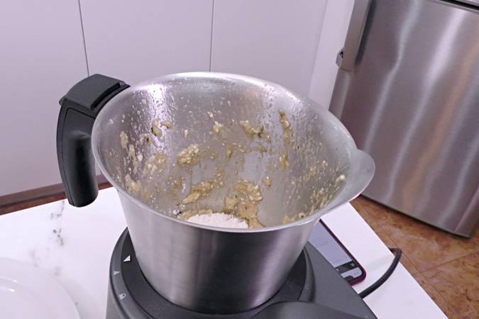 Paso 4 de Buñuelos de calabacín y queso fresco en Mycook Touch