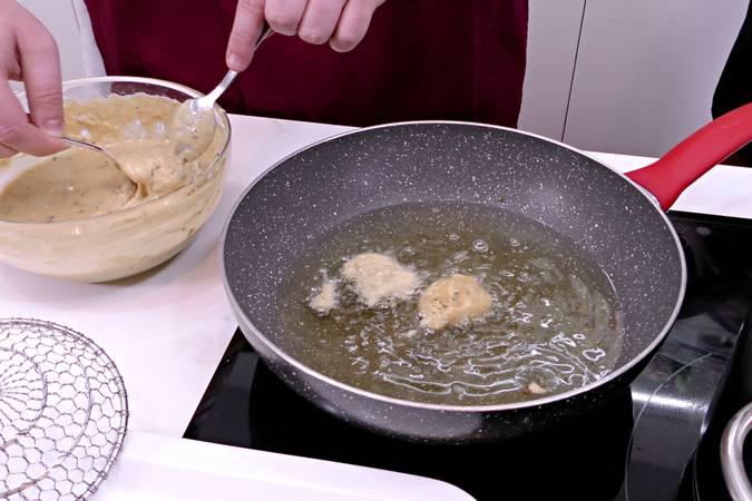 Paso 5 de Buñuelos de calabacín y queso fresco en Mycook Touch