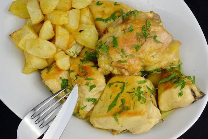 Paso 1 de Las mejores recetas de pollo en salsa fáciles y económicas