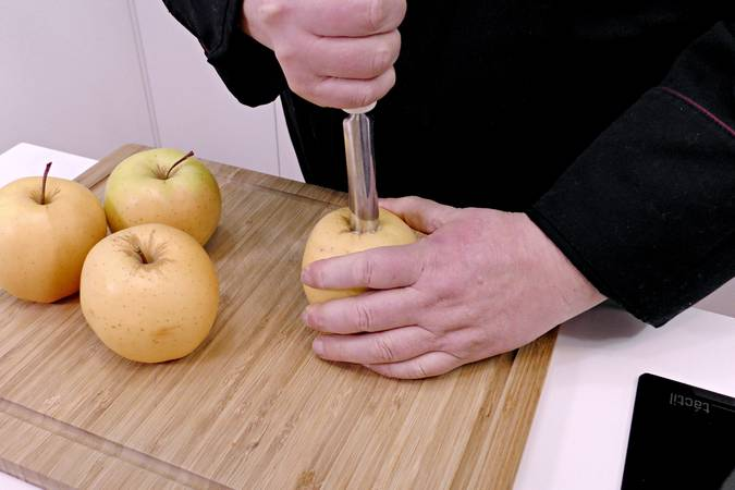 Paso 1 de Tarta de manzana y leche condensada