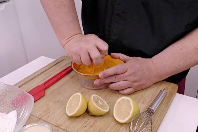 Preparamos el zumo de limón
