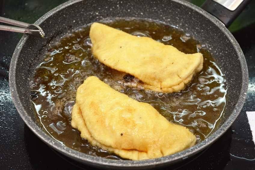 Paso 6 de Empanadillas de pollo con masa casera