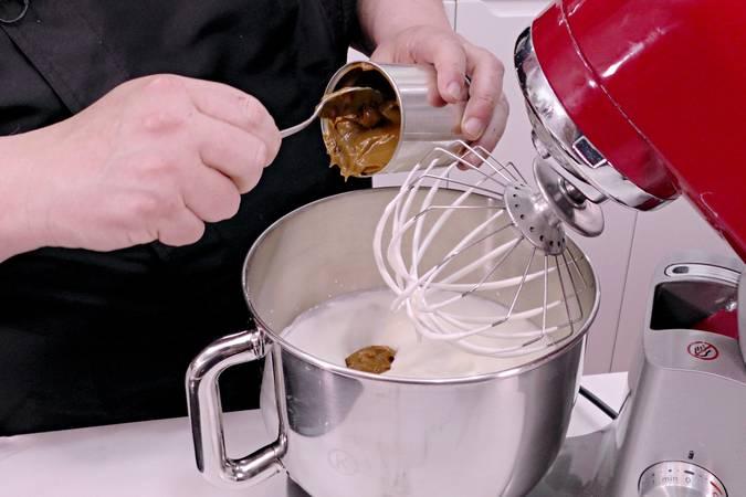 Paso 2 de Helado casero de dulce de leche