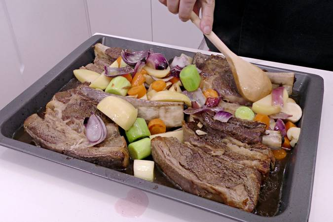 Paso 4 de Churrasco de ternera asado con verduras