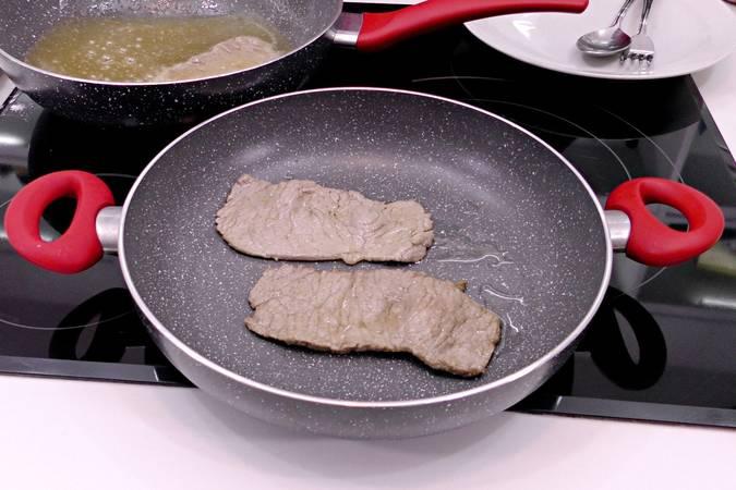 Reservar los filetes ya fritos