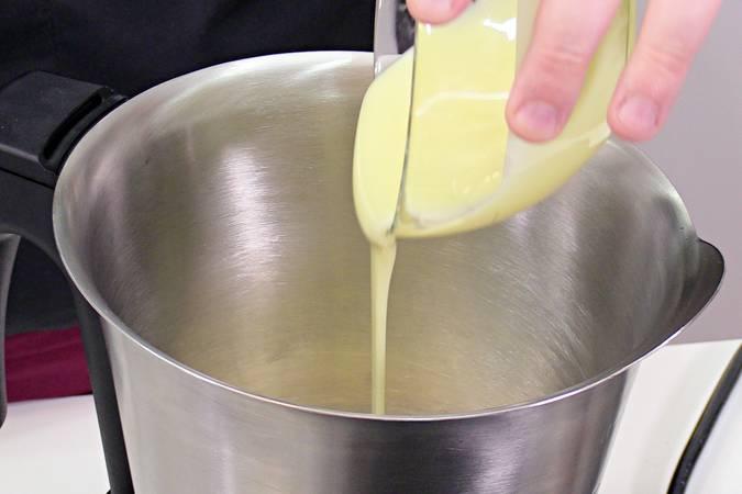 Paso 2 de Postre de limón con 3 ingredientes