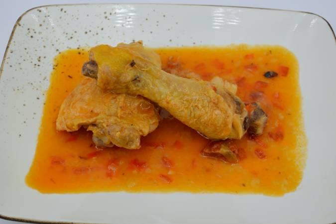 Paso 6 de Pollo en salsa con patatas