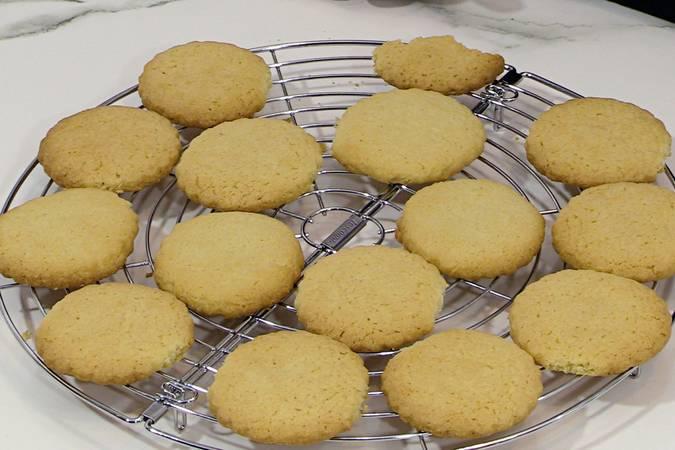 Paso 8 de Galletas de almendra muy fáciles y deliciosas