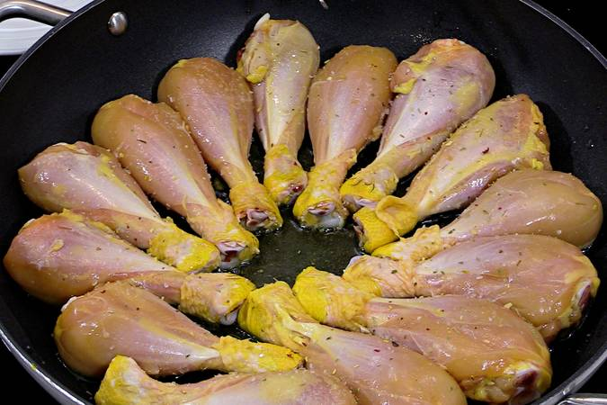 Paso 1 de Pollo con pimientos y patatas fritas