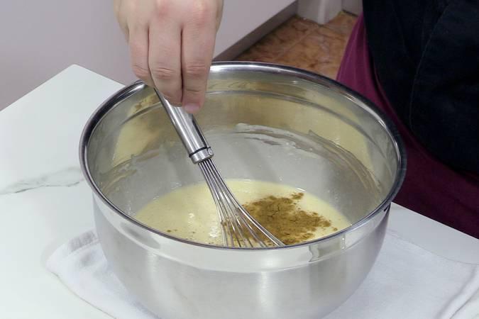 Turno de la canela y la sal, y remata de la masa para tortitas caseras